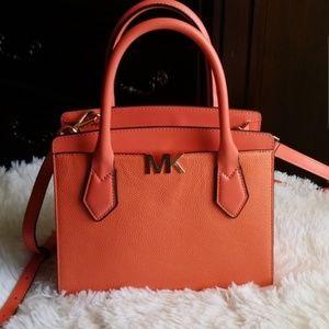 Michael Kors purse 🧡